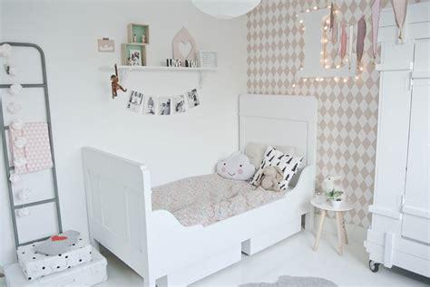 Dormitorio infantil en estilo nórdico para Lola