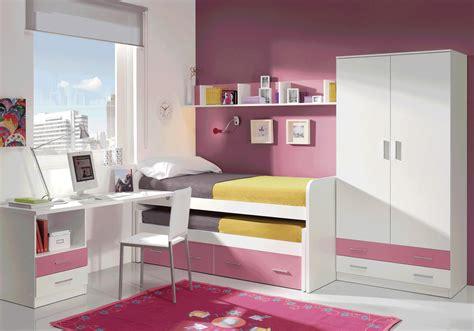 Dormitorio juvenil acabado en color blanco y rosa. Muebles ...