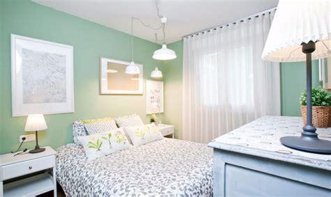 Dormitorio romántico en verde y gris   Decogarden