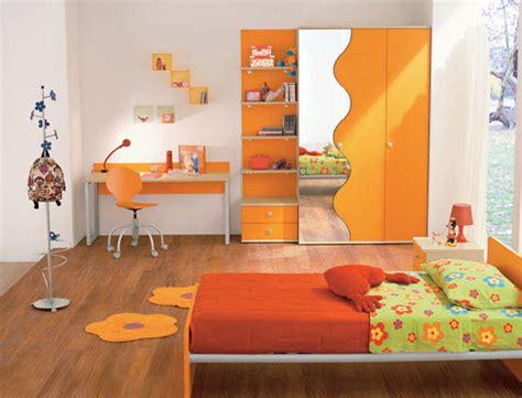 DORMITORIOS CON MUEBLES NARANJAS PARA NIÑOS | Dormitorios ...