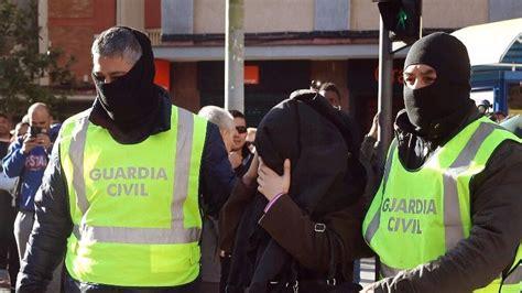 Dos detenidos en Cornellá  Barcelona  por reclutar a ...