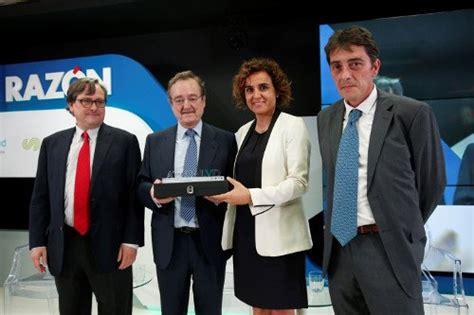 Dr. Carlos Macaya, Premio La Razón al Mejor Médico del Año ...