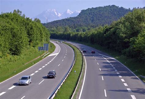 Driving Tips and Road Rules for Europe by Rick Steves