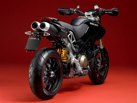Ducati Hypermotard 1100S   Tecnologia e Games