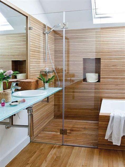 Ducha con revestimiento de madera | Baños, Ducha y bañera ...