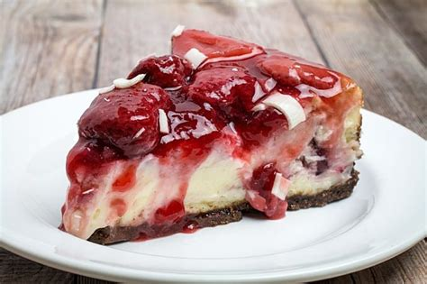 Easy White Chocolate Strawberry Cheesecake + 8 Tips For ...