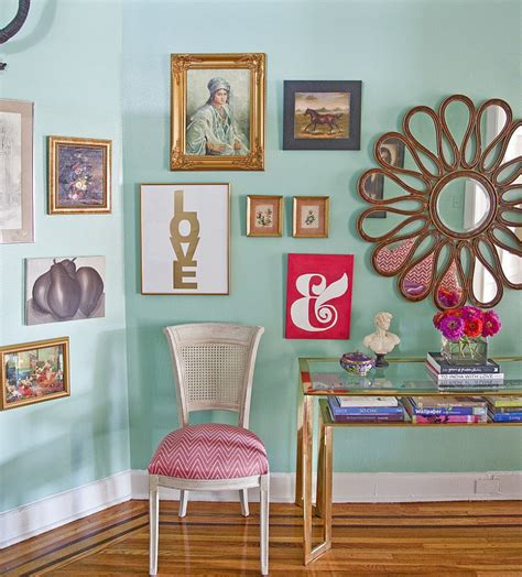 Eccentric Living Room Designs That Feature Richness With ...