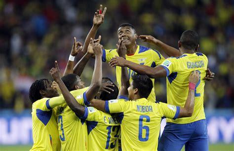 Ecuador comes from behind to beat Honduras 2 1   AOL Sports