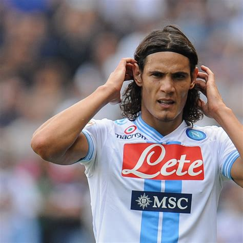 Edinson Cavani: Why He Cannot Reach the Level of Messi and ...