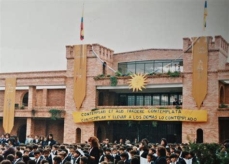 Egresados – Colegio Santo Tomás de Aquino