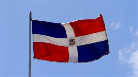 Ejecutivo rinde tributo a la Independencia y a la Bandera ...