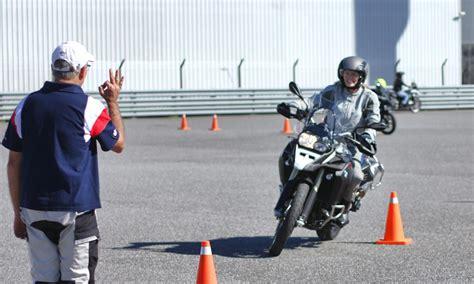 El 25% de los motociclistas desaprueba el examen para la ...