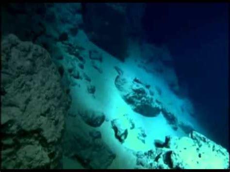El Abismo en el Fondo del Mar   YouTube