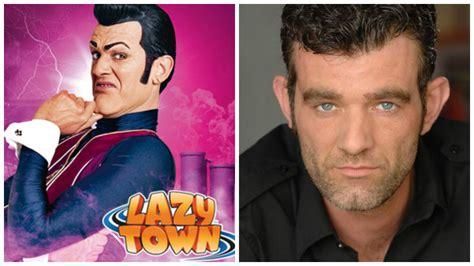 """El actor de """"Lazy Town"""" hoy padece cáncer y no tiene ..."""