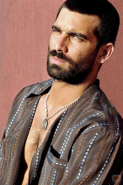 El actor Ruben Cortada interpreta a un narcotraficante en ...