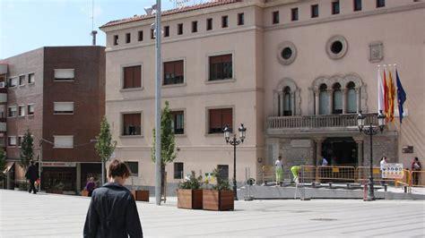 El Ayuntamiento de Cornellà de Llobregat retira 49 placas ...