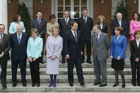 El balance de Zapatero: 34 ministros, tres crisis y tres ...
