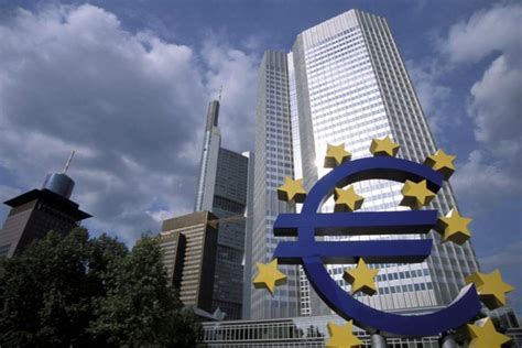 El Banco Central Europeo deja de aceptar bonos griegos ...
