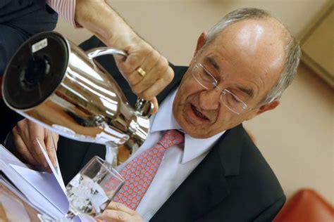 El Banco de España ve  riesgo  de que Rajoy no cumpla el ...