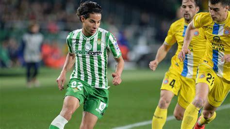 El Betis inscribe a Diego Lainez para disputar la UEFA ...