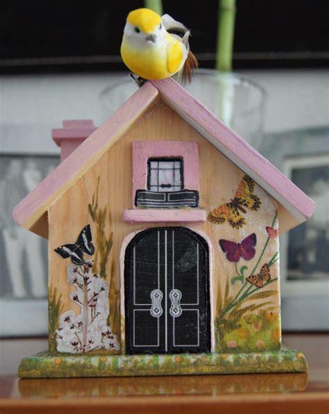 El Blog de Walkiria Celada.: Casa de pájaros con tapa.