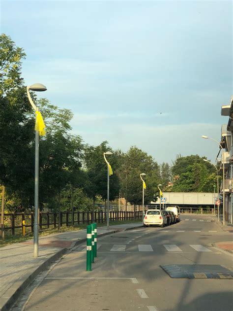 El CDR penja més llaços grocs als carrers de les ...