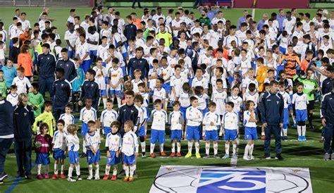 El CF Les Franqueses celebra els 75 anys amb 25 equips ...