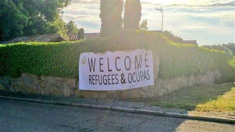 El chalet de Pablo Iglesias amanece con un cartel de ...