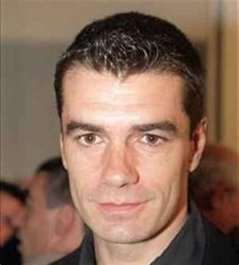 El  chiste  de Toni Cantó:  Van diputados de PP y PSOE a ...