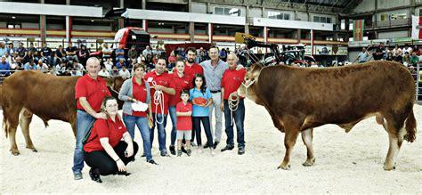 El consejero de Ganadería asiste en Torrelavega al IX ...