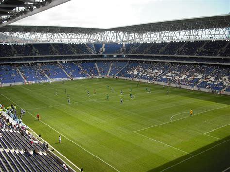 El Cornellá El Prat, mejor estadio de 2010   JetLag