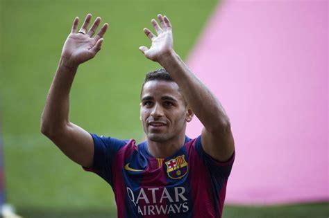 El defensa del Barça Douglas estará de tres a cuatro ...