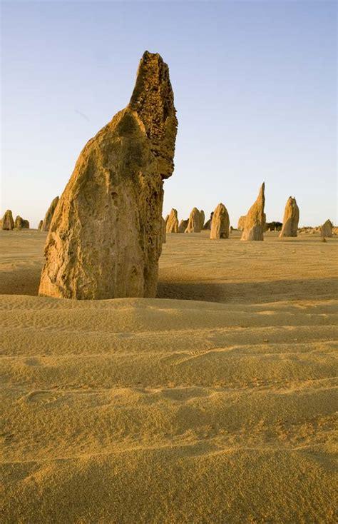 El desierto de los pináculos, en Australia  Pinnacles ...