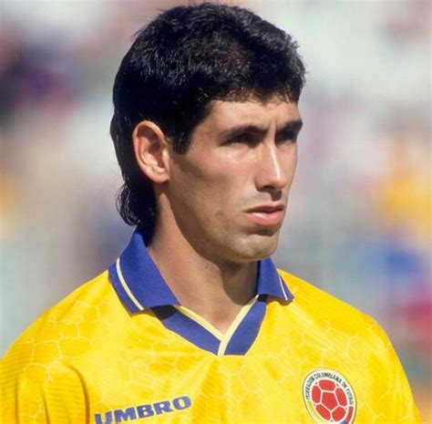 El Diario   Sentido homenaje a ex futbolista colombiano ...
