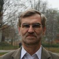 El Dr Joseba Achotegui profesor de la Facultad de ...