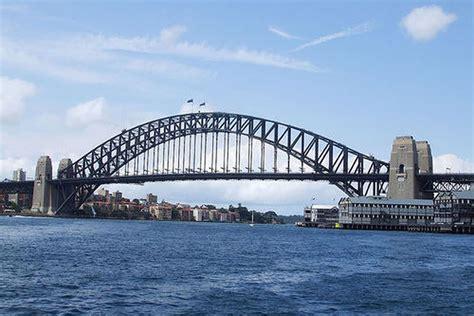El emblemático Puente de la Bahía de Sídney cumple 80 años