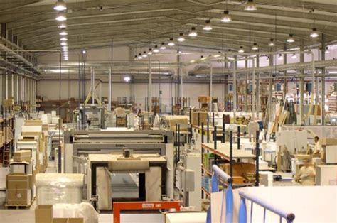 El empleo en la industria del mueble y la madera aumenta ...