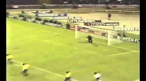 El escorpion de Higuita | Goalkeeper Colombia amasing ...