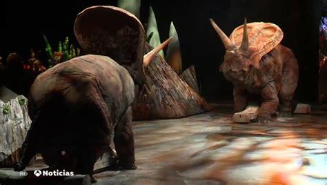 El espectáculo  Caminando entre dinosaurios  llegará a ...