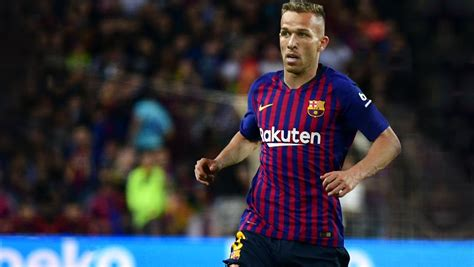 El FC Barcelona ficha a Arthur por 31 millones de euros