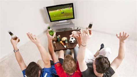El fútbol, deporte favorito de los españoles para ver en ...