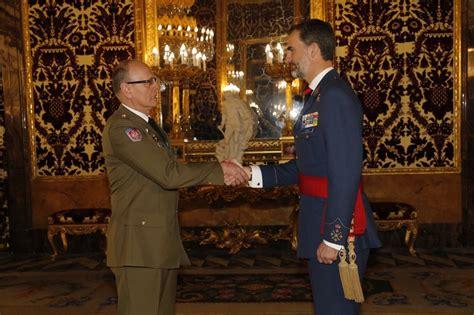 El general Armisén Bobo, nuevo agregado de Defensa en ...