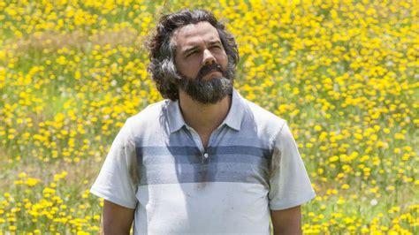 El hermano de Pablo Escobar propone que Narcos contrate ...