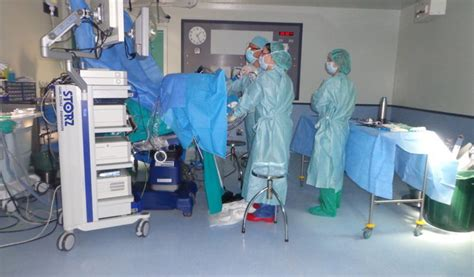 El Hospital inicia una técnica quirúrgica de tumor de recto