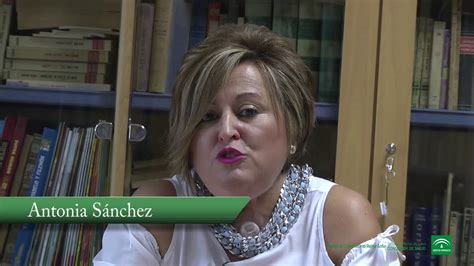 El Hospital Reina Sofía implanta prótesis para que ...