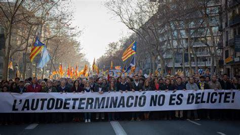 El independentismo catalán fletará 380 autocares para la ...
