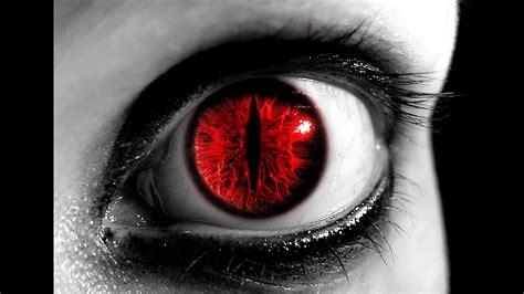 El inquietante humanoide de ojos rojos de Sturno   YouTube