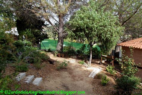 El jardín de la alegría : Cómo instalar una valla metálica ...