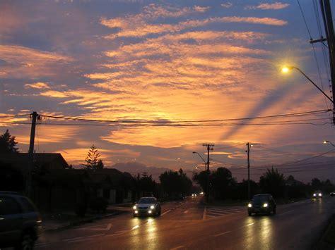 EL JUEVES: Un amanecer en este bello día.