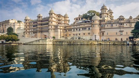 El lago Pichola, India